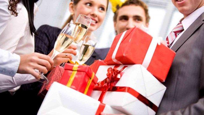 Прикольные идеи для подарка на день рождения мужчине, когда нет денег
