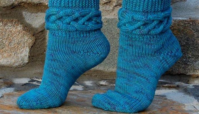 1524122959_987 Как вязать носки на 5 спицах начинающим
