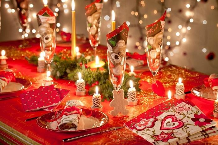 Как украсить стол к новому году